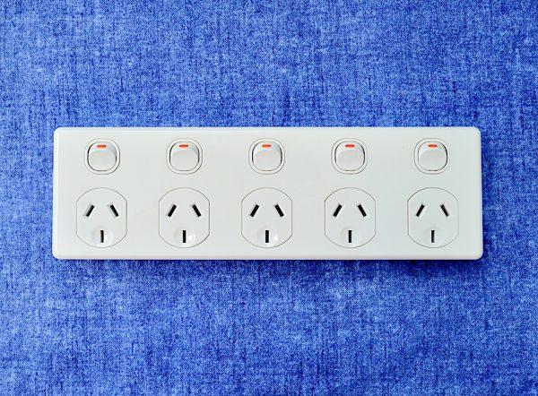 5 gang multi power point 10 amps 240v