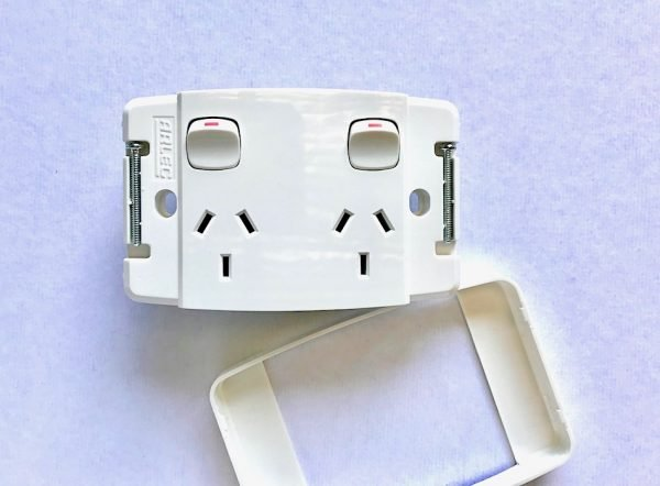 SEAMLESS FACE PLATE WITHOUT SCREWS POWER PONT double OUTLET